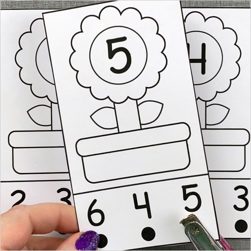flower number punch cards for preschool and kindergarten